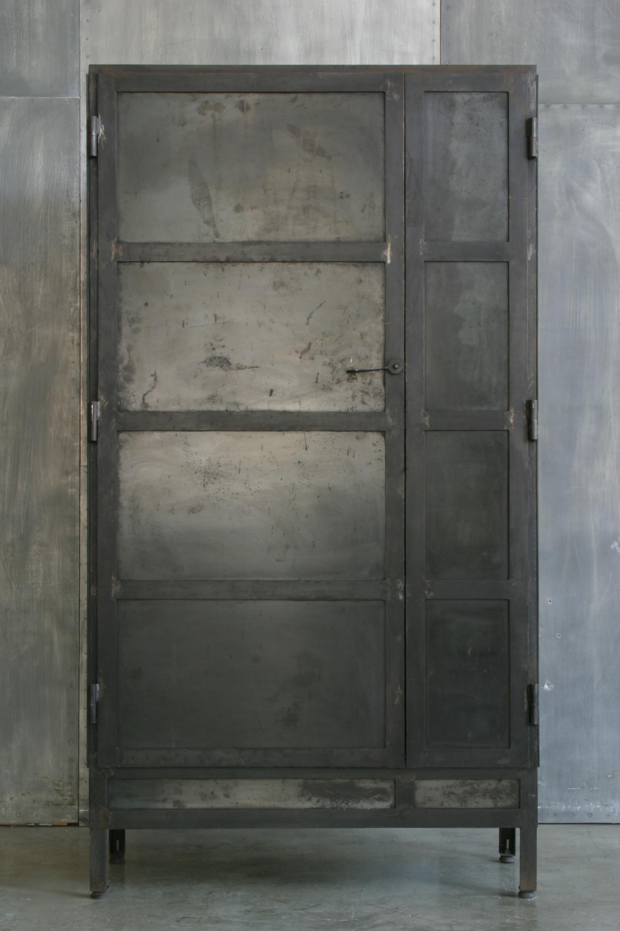 Ca29 armario 2 puertas hierro cat logo concha bay - Armarios de hierro ...