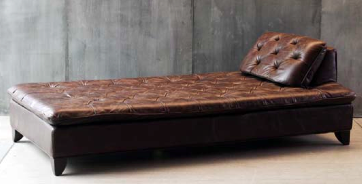 Fe21 chaise longue piel marron sofas sillas butacas for Catalogo de sofas de piel